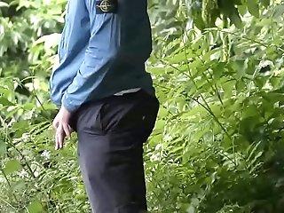 Peeing Park [2]
