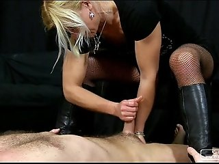 Mind blowing handjob wmv