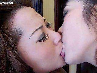Chinese Girls Make Out